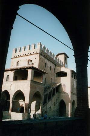 Castellarquato9 - Mostre d arte in piemonte ...